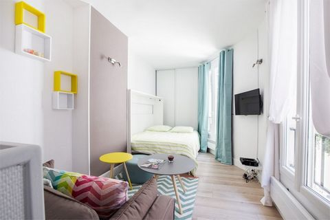 Apartment in very good condition furnished with a nice room to live with American kitchen entirely equipped (refrigerator, furnace, plates, washing machine, dishwasher and more ...!), A bathroom and separated TOILET. of a building of clear and calm s...