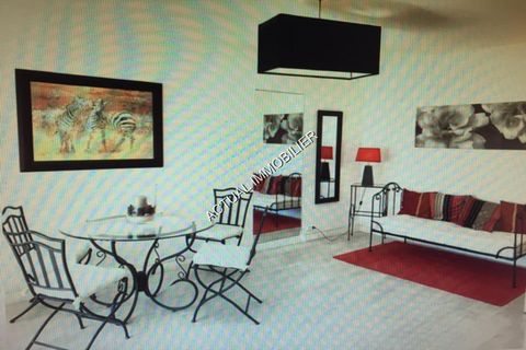 Apartment Floor 2nd, Position south, General condition Excellent, Kitchen Open plan, Heating Collective, Hot water Collective, Living room surface 19 m² Bedrooms 1, Bath 1, Terrace 1 Building Floor number 6, Construction 1970 Taxes Yearly property ta...