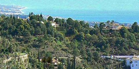 Project situated in one of the most prestigious locations on the Costa Del Sol. Within the district of Benahavis, Madronal is a gated community situated just off the Ronda road, 20 km from Marbella and 10 km from Puerto Banus . With panoramic views, ...