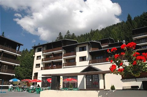 The residence, Le Front de Neige, is situated in the upper parts of the resort, les Carroz d'Arâches in the Haute Savoie region of the French Alps , 800 m above the centre of the village. Attractions of the residence: - Residence located 100 m away f...