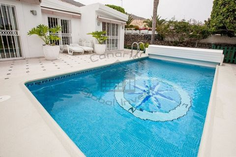 Fantastic family villa on Costa Adeje. The house consists of 3 bedrooms, 1 bathroom, large living room with dining room, fully equipped kitchen, large private terrace with dining room, garden and swimming pool.