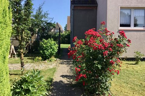 Go for a relaxing holiday in this comfy apartment in Klütz. You are a short distance from the sea where you can swim, sunbathe, hike and do water sports. This apartment is large enough for a couple or a small family. With its rapeseed and grain field...
