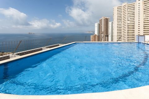 Fantastic two-storey apartment for 4 people in Benidorm, with breathtaking views to the sea and shared pool. Located within a complex of impressive buildings, the apartment offers a great shared chlorine pool of 16 x 8 metres with a depth ranging fro...