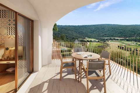 This fabulous 2 suites apartment is part of the Viceroy Residences and integrated in the Ombria Resort next to Querença in the Algarve. It is an investment in a house for own use and tourist exploitation, in full ownership, with services and hotel ma...