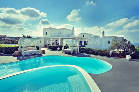 Luxury villa in Santorini for Sale , newly built property of 315 sqm with 5 bedrooms, 5 bathrooms, furnished, central heating, solar water heater, storage space, garden, swimming pool, suitable for business use, exquisitely decorated. The main buildi...