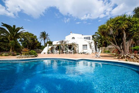 This fantastic property, comprised of a main house and several annexes, is set on a plot of 36,000 m² in Es Castell. The main house has a total built area of 626 m², distributed over two floors. On the ground floor we find the entrance hall, the kitc...