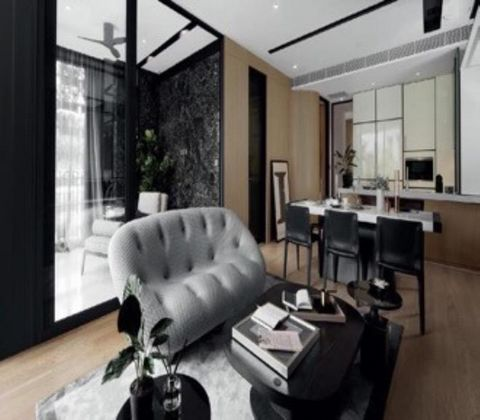 2-bedroom property for SALE of 116 sq.m in South Sukhumvit (Sukhumvit 16-38). This property features: Air-conditioning, Furniture, High floor, Balcony/terrace, The residence offers: 24/7 Security, Elevator, Swimming pool, Fitness/Gym, Parking,