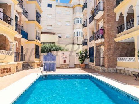 Se alquila piso a escasos metros de la playa. 2 Dormitorios, 1 Baño, Terraza techada.