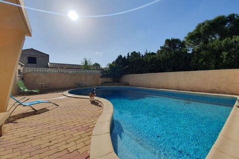 Come and relax in this lovely holiday home in Olonzac for a few days. There are a private swimming pool and a jacuzzi for de-stressing the mind and body. There are 3 bedrooms for 6 people, making it an ideal vacation stay for a family or a group of f...
