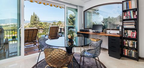 Stunning 2 Bedroom Apartment in Perfect Location Beside Beautiful Coastal Golf Course, El Paraiso, Marbella, Malaga Province, Spain Euroresales Property ID – 9826325 PROPERTY LOCATION Urb. El Paraiso, 29680 Estepona, Málaga, Spain PROPERTY OVERVIEW F...