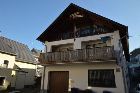 This holiday home in Veldenz with 3 bedrooms for 6 people reeks of utmost simplicity and comfort. Ideal for families with children or groups traveling together, it is near a forest and has ample seating area in the living room to chill out with some ...