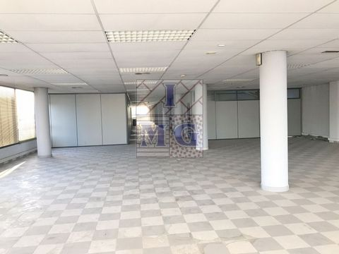 OFFICE FLOOR located near Juan de Borbon with very good communication with the center of Murcia and with highway, is divided by detachable modules, toilet area, great views, interesting. #ref:0382