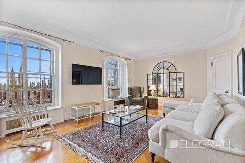 This beautifully renovated, high-floor one-bedroom has great eastern exposure through its arched windows, offering spectacular Central Park & city views. With soaring ceilings and herringbone flooring, this home comes with plenty of pre-war charm. Re...