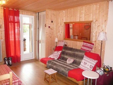 La résidence le Sandrina se trouve dans la station de Vars les claux. Elle est située dans un quartier calme et ensoleillé, à 200 mètres du centre du village, des commerces et des activités. Les pistes de ski et les remontées mécaniques sont à 150 mè...