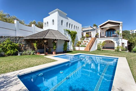 Luxury 4 Bedroom Villa For Sale in Benahavis Spain Euroresales Property ID- 9825760 Property Information: Beautifully located quality villa with stunning views to the Mediterranean and the mountains. Very quiet and private, south to east facing. Main...