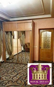 Лот №K8294089. Сдается отдельно стоящий дом в отличном районе города. Дом общей площадью 90м.кв, 3 комнаты, 3 санузла. Двор, место под 3 авто.