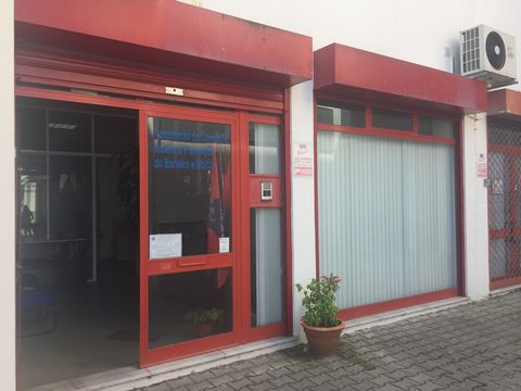 Store located in Praceta José Domingos dos SantosExcelente opportunity for investors who want to obtain income through leasing. Come and visit. Contact Us (ref: C0362-00004)
