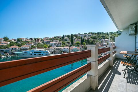 Located just a minute walk away from the seashore this alluring apartment in Stomorska has a balcony or a terrace from where you can enjoy the views of the serene blue water. This place is suitable for a family or a group on a rejuvenating vacation. ...