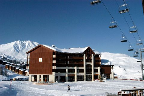 Plagne Soleil boasts an ideal situation in the heart of this immense skiing area as well as a magnificent view and a wonderful sunny climate. A resort bound to appeal to skiers with these unquestionable charms, but also to nature lovers and walkers, ...