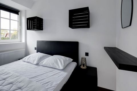 Beautiful new holiday home with typical decoration in Ronse for nature lovers. A paradise for cyclists near the forest and comes with bicycle storage to keep your bikes safe. The area is ideal for cycling and mountain bike tours. You can also enjoy w...