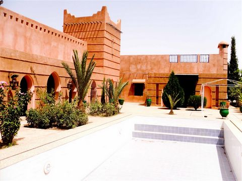 Traditional palate style property with stunning, south-facing views over the countryside to the Atlas Mountains. The property is located 15Km on Fes road; in one of the most desirable areas in Marrakech. This 7500 sqm luxury and spacious villa built ...