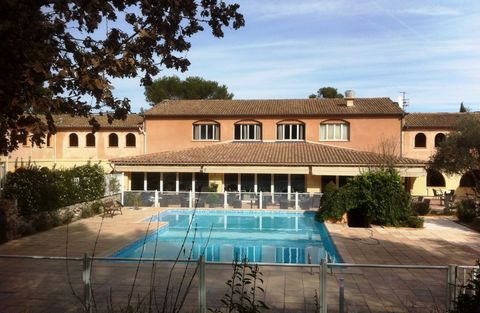 Investment opportunity - Splendid Hotel at the heart of the Varoise department, near the A8 motorway ...close to the Mediterranean, vineyards and lavender fields... This exceptional Hotel-Restaurant of 23 bedrooms with a surface of 1200 m2 will seduc...
