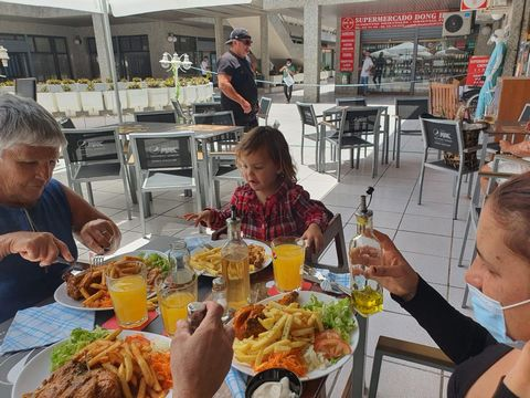 An incredible opportunity to own an established restaurant franchise which is situated in the commercial center Los Cristianos Tenerife, ADVANTAGES : The outlet is situated in the middle of the Square with 4 blocks of office building (Insurance compa...