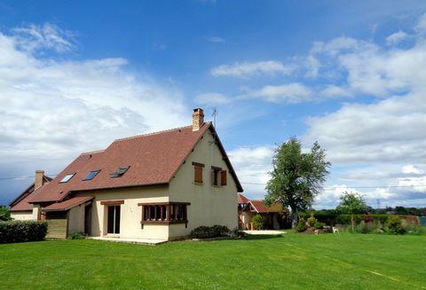A Ferrières Haut Clocher, je vous propose une maison où l'espace, la lumière et l'esthétique sont de rigueur. Cette demeure contemporaine de plus de 2