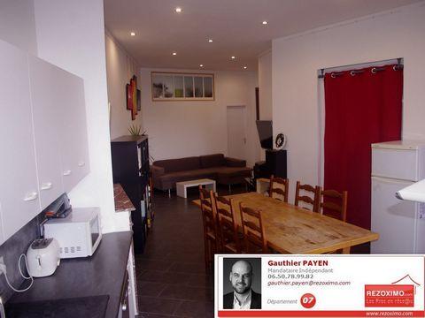 Ardèche, à Privas, nous vous proposons ce joli appartement lumineux de 70m² refait à neuf. Il se compose d'un salon cuisine ouverte, une salle d'eau