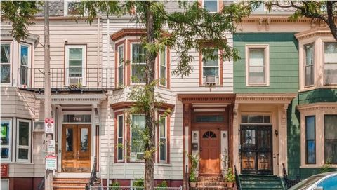 East Side single family home in the heart of South Boston. Walking distance to Carson Beach, the park, and many East Side shops & restaurants within walking distance. Close to U-Mass Boston, the Seaport District, & Downtown Boston. The home has 4 flo...