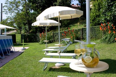 Enjoy a splendid view over the valley of Santerno by staying in this 1-bedroom apartment in Casalfiumanese. Ideal to house a couple, this property features a garden shared with other guests, so that you can enjoy the gorgeous views. The forest is 2 k...