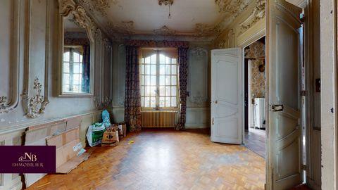 Secteur St Symphorien de Lay, sur un terrain de 500m2, belle maison bourgeoise de caractère. en rez de chaussée, une entrée avec escalier majestueux, un salon aux belles moulures d'époque, une salle à manger, une cuisine, une chambre, wc. A l'étage, ...