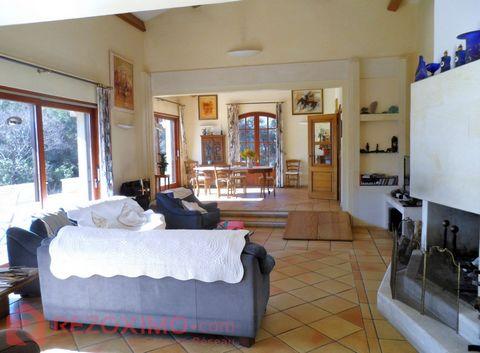Villa style Mas occitan 288.94 m2 habitable , sur un hectare de jardin . construction traditionnelle .sur les hauteurs de frontignan . ( 469.86 m2 su