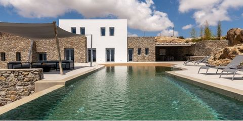 This villa boasts majestic panoramic views over the endless blue of the Aegean Sea. It has large spaces, both external and internal and stands on a land of 5400 square meters. The huge swimming pool and the numerous spots for sunbathing or enjoying t...