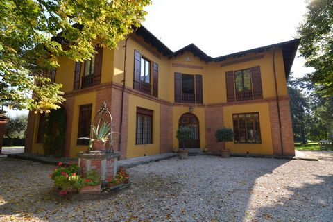 Nestled in a country side of Faenza is this gorgeous stone house holiday home. This 5-bedroom holiday home is ideal for a group or family of 6 persons looking for a tranquil holiday. The property has a welcoming garden furnished with table, chairs an...