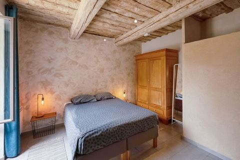 Located at the entrance of Flaux, a very quiet village, this holiday home will allow you to spend pleasant moments in peace with friends and family. There is a private swimming pool heated in season where you can enjoy refreshing dips. Relish barbecu...