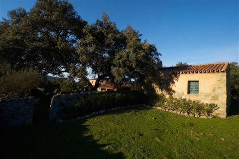 Euroresales Property ID- 9825267 This Stunning House for sale is situated in the heart of the seville countryside, enjoy the spanish southern nature and rural area with your family or friends. Enjoy a traditional southern spanish finca, with a Dehesa...
