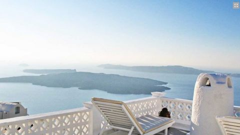 It operates as a small hotel of 3 luxury Suites. Villa at Santorini Consists or 3 houses: 35, 65 and 55 sq.m. Each house has a very good rental income, ranging from: Junior Suite with Spa Bath : 350-550 euro per night Cave Apartment with Spa Bath : 7...