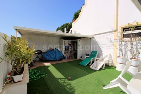 Two bedroom apartment in Albufeira close to the beach. This large apartment consists of a bright living room, an equipped kitchen, a bathroom with an Italian shower and two bedrooms. The whole apartment has double glazing, with access to a storage ro...
