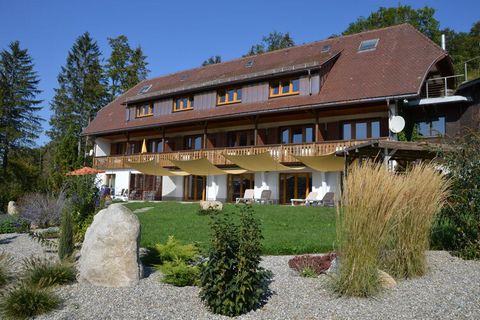 This modern and stylishly furnished apartment is located on a holiday farm in Dachsberg, right on the edge of the forest. You can enjoy the peace and quiet and take in the pristine air on the south-facing terrace. The house has a sauna, which can be ...
