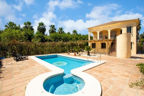 This beautiful villa has a nice private pool and a furnished private garden. There are four bedrooms that offer space for eight people and a good choice for sunny holidays with two families. The golf course is only 30 m away, if you want to swing you...