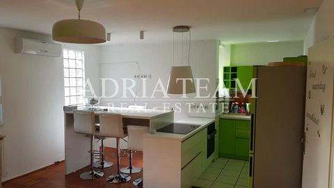 Comfortable apartment for sale in the center of Zagreb - Bauerova street. The apartment has a total area of 80m2 and is located on the 5th floor of a residential building with an elevator. The apartment was renovated in 2015 and consists of a hallw...