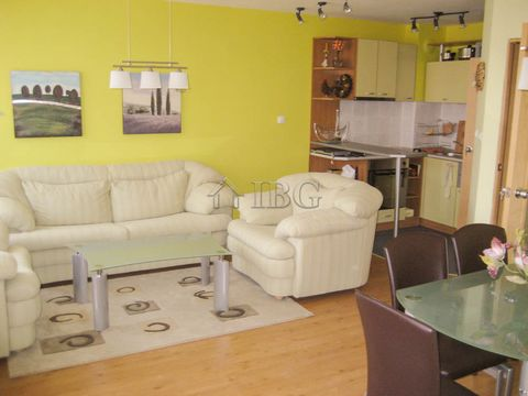 Burgas. 4-Bedroom penthouse in the centre of Nessebar, Burgas, Bulgaria IBG Real Estates is pleased to offer this spacious top floor apartment on two levels in a residential building in the town of Nessebar. The apartment is close to the centre of th...
