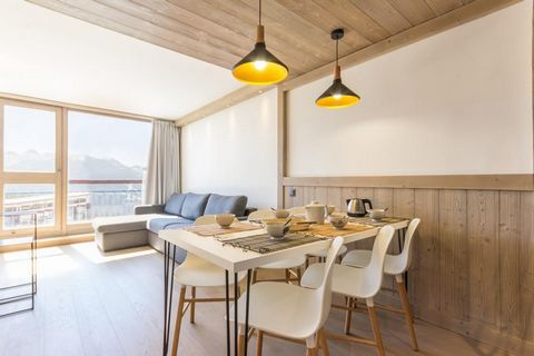 The residence Nova is located in the heart of Arc 1800 in Villards Village. The residence is located at the foot of the slopes and the ESF with direct access to the slopes thanks to the Vagère chairlift and a return of the slopes to the ski-in ski-ou...