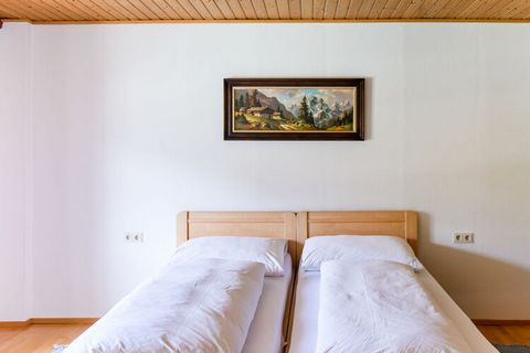 Stay in this beautiful apartment with a wonderful view of the Inn, a right tributary of the Danube and at the same time one of the main drainage routes in the Alps. You can take lovely walks and bike rides in the surroundings. A visit to the Augustin...