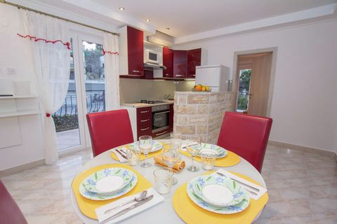 This is a beautiful 2-bedroom apartment in Slatine. With a beautiful view of the sea and proximity to the beach, this is the ideal home for a family vacation.The home is 5 km away from the picturesque town of Trogir on the mainland. The sea beach is ...
