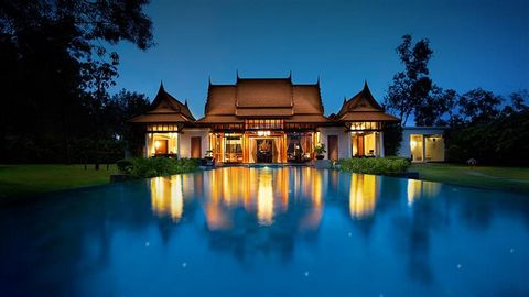 Luxury Double Pool Villa in Phuket Thailand Euroresales Property ID – 9824970 Property information: This beautiful property is a luxury double pool villa located in Cherngtalay, Amphur Talang, Phuket, Thailand. This superb property consists of 1 spac...