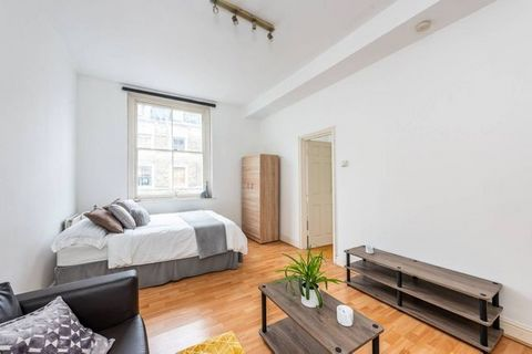 Arranged on the 2nd floor, this modern studio apartment offers a separate kitchen and a fantastic location close to Earls Court Underground Station and Earls Court Road. Hogarth Road is ideally located for the many local shops and transport links ava...