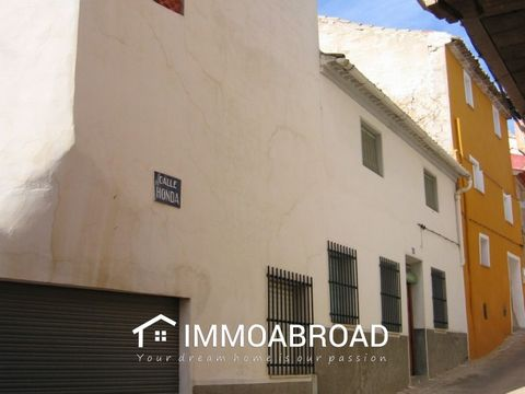 . You can find many more perfect properties in Teresa de Cofrentes .Spain and surroundings on our website. IMMO ABROAD is the specialist in finding, buying, selling or renting your home abroad. Find the best villas, apartments, houses, farmhouses wit...