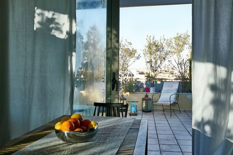For sale beautiful penthouse maisonette in Palaio Faliro, Athens. The penthouse measures 104sqm. and it spreads in two levels. Airy, sunny and spacious, it is ideal for starting a new chapter in your life in one of the best-known areas of Athens' sou...
